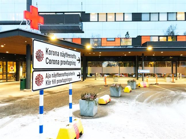 Åtta personer vårdas nu för covid-19 på Vasa centralsjukhus. Förvärras läget kan man behöva öppna en skild corona-avdelning.