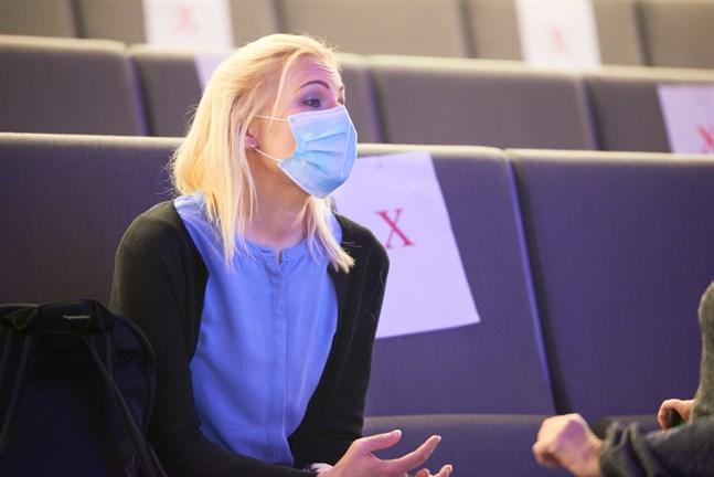 Marina Kinnunen kan inte säga om klienterna fritt kommer att kunna välja hälsocentral inom nya Österbottens välfärdsområde.