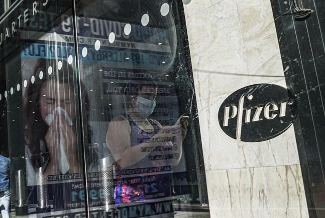Pfizer ska ansöka om EU-tillstånd för sitt vaccin.