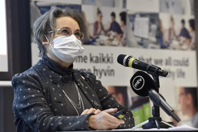 Sari Ekholm, överläkare på Social- och hälsovårdsministeriet.