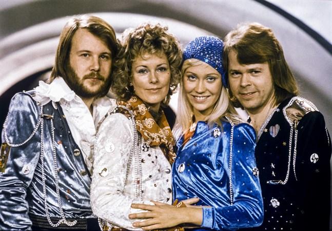 Benny Andersson, Anni-Frid Lyngstad, Agnetha Fältskog och Björn Ulvaeus vann Eurovision Song Contest 1974.