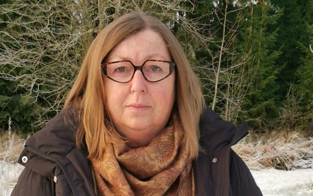 Stina-Britt Gullqvist har varit familjedagvårdsledare, barnträdgårdslärare, föreståndare, ambulerande specialbarnträdgårdslärare och chef för småbarnspedagogiken i Malax.