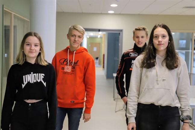 Adelina Stagnäs, Mats Lillas, Walter Grägg och Gabriella Sjöblom upplever inte att coronapandemin påverkat deras vardag.