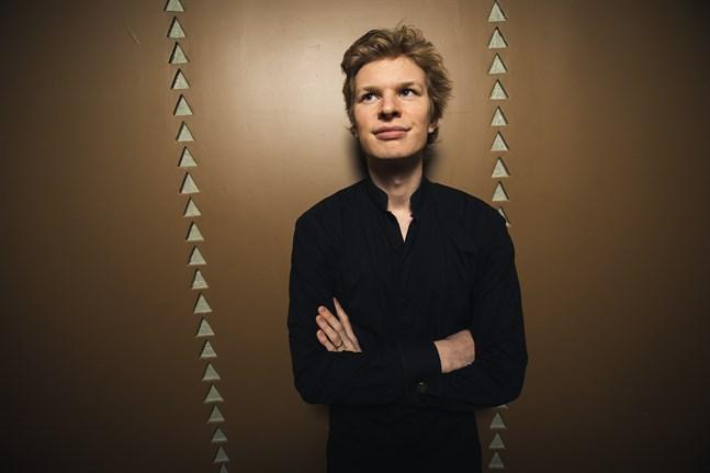 Eero Lehtimäki fick sitt genombrott genom att dirigera Marinskij-teaterns orkester med extremt kort varsel på Åbo Musikfestspel år 2016.