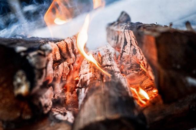 Nu är det förbjudet att elda och grilla.