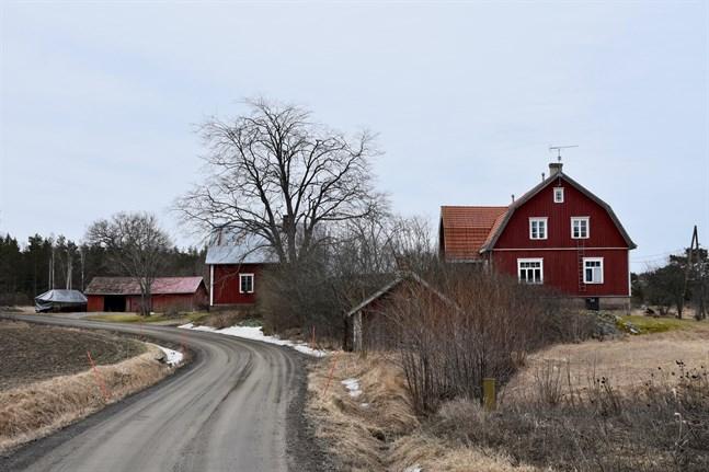 Köpare av gamla egnahemshus får i år betala 2,8 procent mer per kvadratmeter än i fjol.
