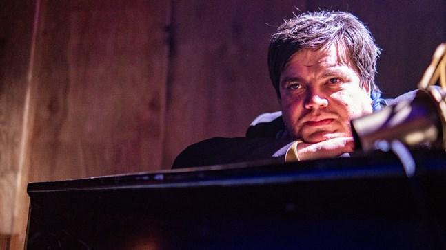 Thomas Enroth kommer att vara spindeln i nätet även under produktionen av de fem finlandssvenska konserterna som börjar sändas i slutet av mars.