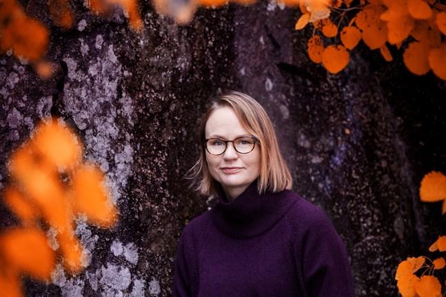"""Maria Grundvall, uppvuxen i Kaskö, är aktuell med romanen """"Enhörningen""""."""