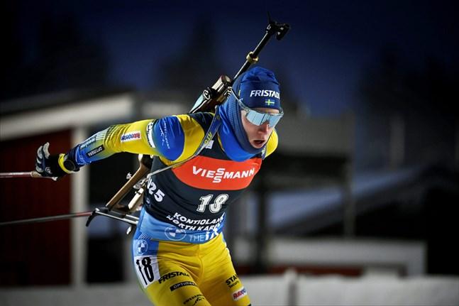 De svenska herrarna kan också. Sebastian Samuelsson vann lördagens jaktstart i världscupen och sänkte på den resan självaste Johannes Thingnes Bø på vallen.