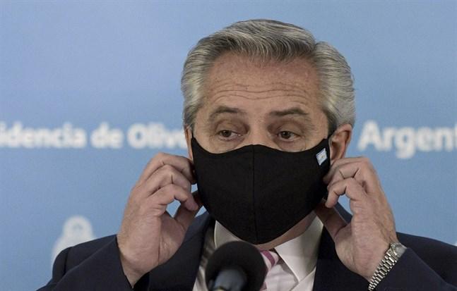 Argentinas president Alberto Fernández. Hans regering har drivit igenom en coronaskatt för landets rikaste. Arkivbild