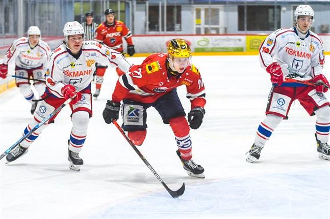 Eetu Paasovaara inledde målskyttet redan i första matchminuten.