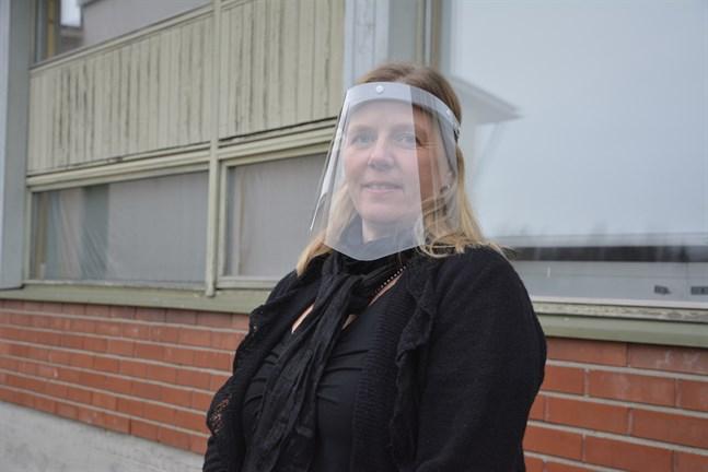 Monica Mattbäck hoppas att både elever och lärare ska orka med övergången till distansundervisning.