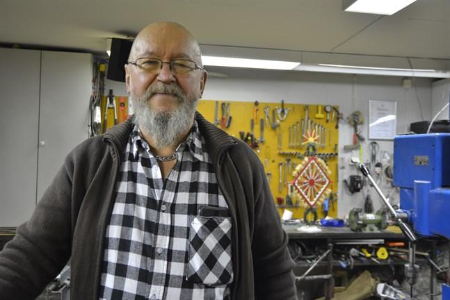 Bleckslagarmästaren Krister Vidgren håller hantverkskonsten kärt om hjärtat och hoppas på återväxt.