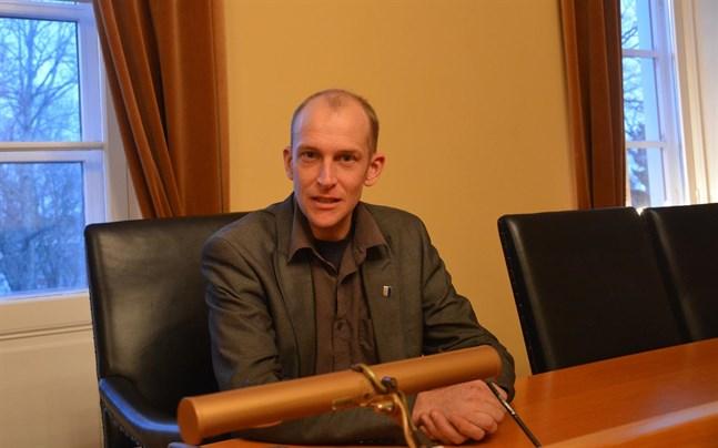 Henrik Antfolk, som var SFP:s valledare, säger att omkring tio personer anmält intresse för de fem SFP-platserna i nya stadsstyrelsen.