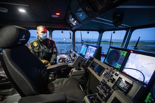 Michael Nordlund är sjöbevakningsmästare vid stationen i Vallgrund.