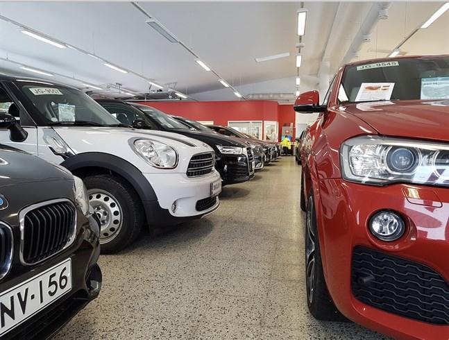 Bilbranschen behöver försäljare.