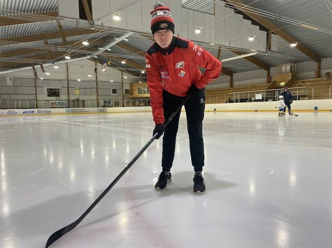 Jonathan Lassander från Finby har gjort många poäng i FM-ligan med sitt Vasa Sport.