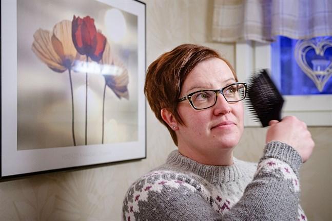 Åsa Granqvist i Kronoby vågar inte färga håret själv fler gånger efter den dramatiska kvällen strax innan julen.
