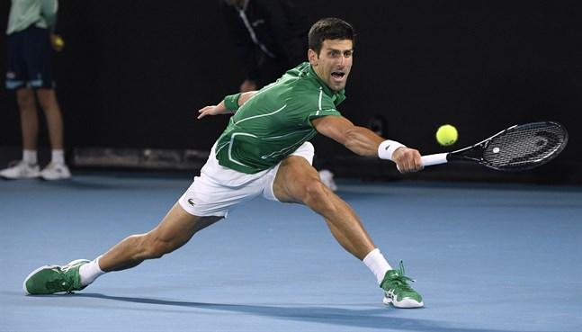 Regerande mästaren Novak Djokovic, Serbien, under fjolårets Australian Open-final mot österrikaren Dominic Thiem.