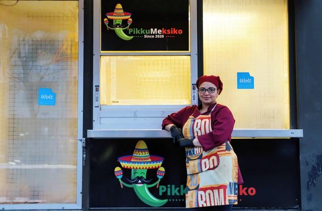– På grund av coronan har vi luckan stängd än så länge. Men det går att beställa vår mat via matbud i Vasa, säger Pikku Mexikos delägare Samantha Matute.