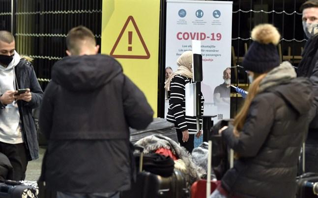 Passagerare på Helsingfors-Vanda flygplats.
