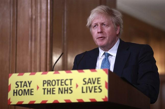 Storbritannien är mycket hårt drabbat av covid-19, och satsar nu på att vara världsledande i massvaccinering av befolkningen. Mer än 1,3 miljoner britter har hittills vaccinerats, meddelade premiärminister Boris Johnson på tisdagskvällen.