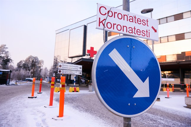 Coronaprovtagning vid Vasa centralsjukhus.