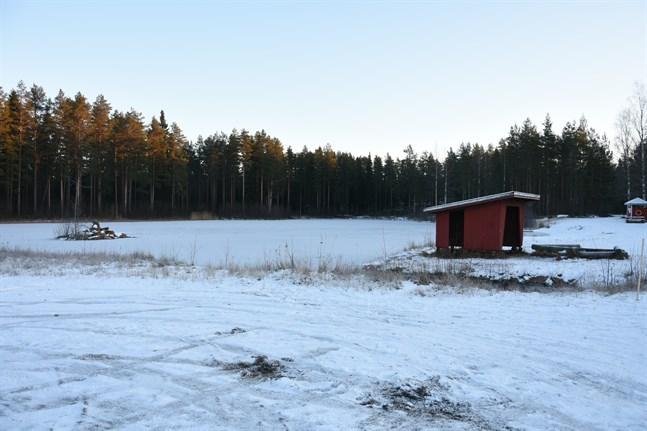 Enligt planerna ska den nya frisbeegolfbanan anläggas på Lilla Vargberget öster om sjön.