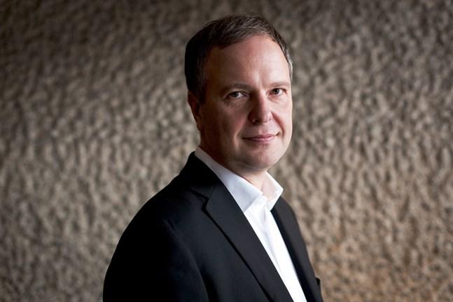 Sakari Oramo jobbar numera som professor i orkesterdirigering vid Sibelius-Akademin, Konstuniversitetet.