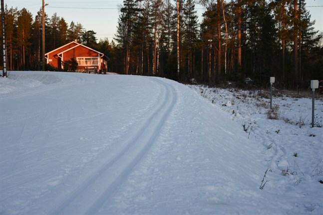 På söndag arrangeras säsongens första skidtävling på Vargberget, en distriktstävling, med noggranna restriktioner.