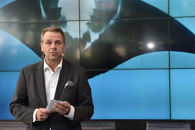 Helsingfors borgmästare Jan Vapaavuori informerade om coronarestriktioner på tisdagen.