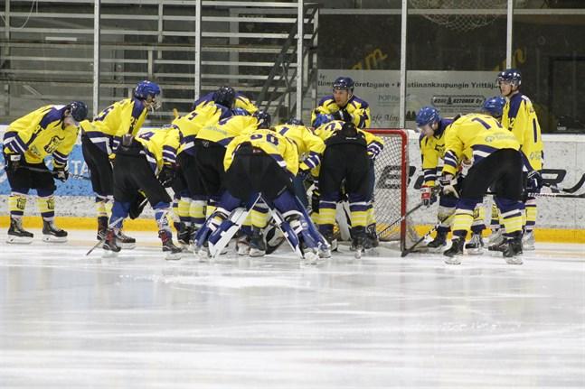 Hockeytvåan ska börja om två veckor för Krafts del. Men ännu är det osäkert hur det blir med ett eventuellt slutspel.