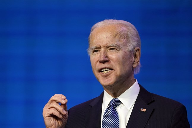 Joe Biden kallar människorna som stormade kongressen för inhemska terrorister.