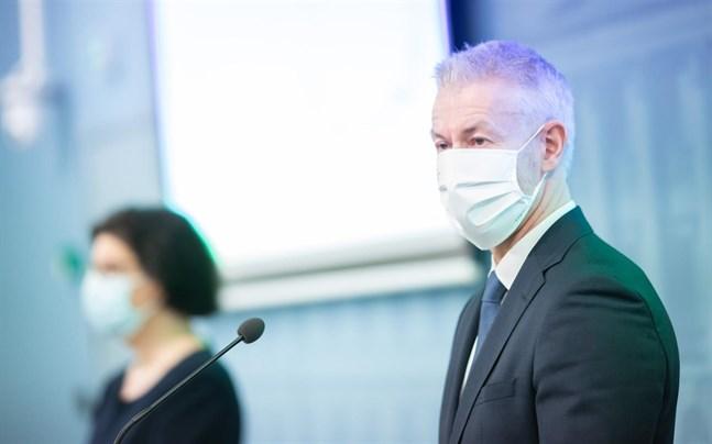 Taneli Puumalainen, överläkare vid Institutet för hälsa och välfärd, säger att de fall som upptäckts av det muterade coronaviruset kartlagts noggrant.