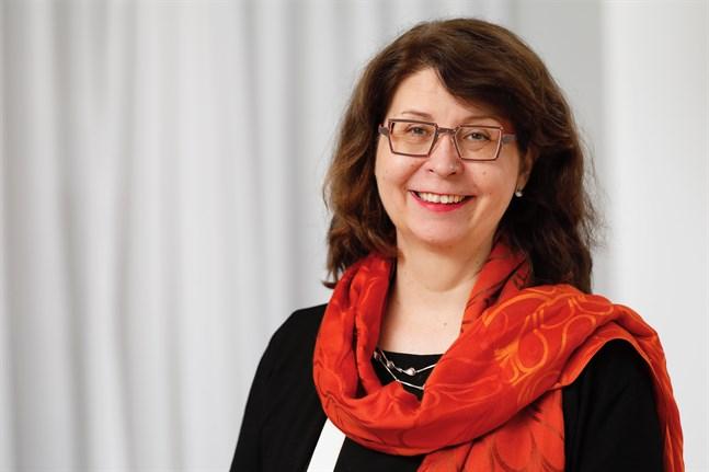 Överdirektör Riitta Maijala på Finlands Akademi leder styrgruppen för temaåret för forskningsbaserad kunskap.
