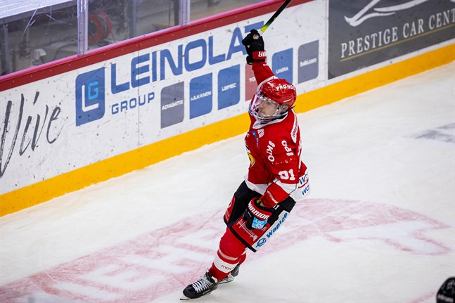 Janne Keränen stod på tur att göra segermålet i straffläggningen.