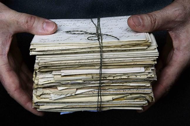 Mer än 100 år gamla kärleksbrev som hittats i England kommer att lämnas tillbaka till familjen. Arkivbild.
