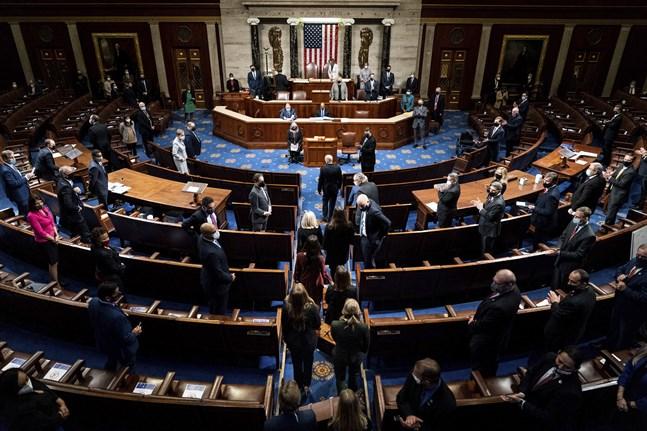 Onsdagens gemensamma omröstning för kongressens båda kamrar om godkännande av valresultatet, strax innan stormningen av Kapitolium.