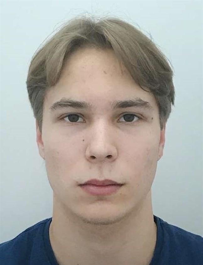 På söndagen meddelade polisen att man hittat 17-årige Otso Setäläs ryggsäck i terrängen i Maijamäki i Nådendal, i närheten av Tuuratie.