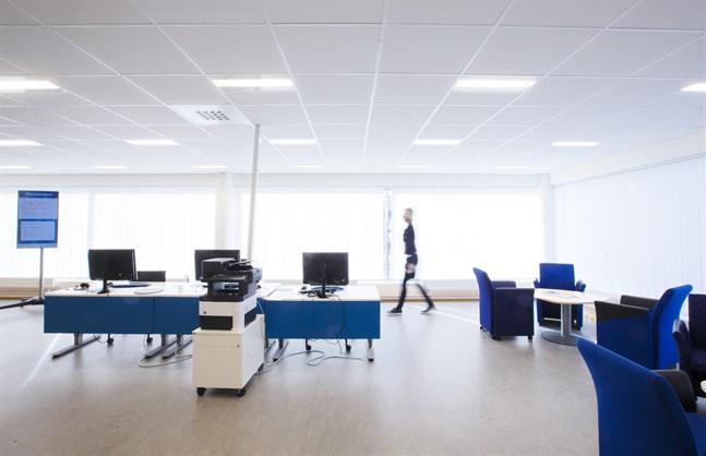 Styrka och färg på ljus påverkar hur vi mår på jobbet. Arkivbild.