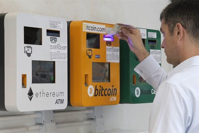 En bankomat i Hongkong avsedd för bitcoins. Arkivbild.