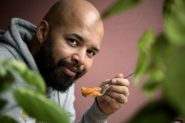 """""""Det finns faktiskt en hel del likheter mellan husmanskost och jamaicansk mat"""", säger Kristian Smith."""