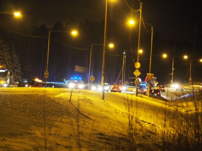 Fyra fordon var inblandade i trafikolyckan på riksåttan i Karleby.