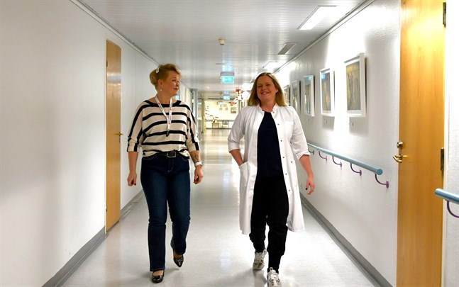 Bottenhavets hälsa har fått en bra start säger vd Heli Silomäki, här med ledande läkaren Charlotte Grönvik.