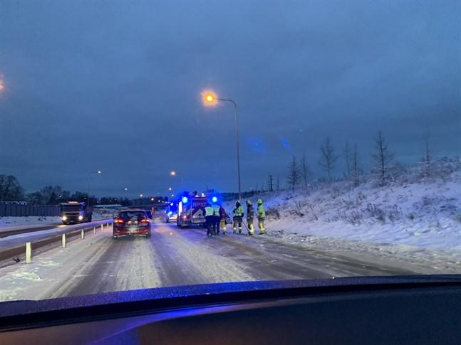 En trafikolycka ägde rum under måndagseftermiddagen.