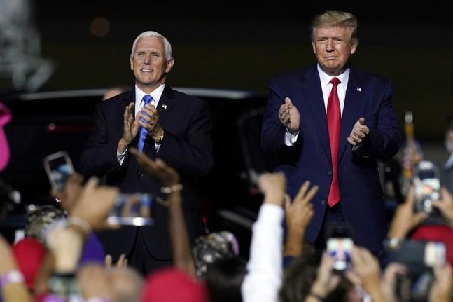 President Donald Trump och vicepresident Mike Pence vid ett kampanjmöte i Newport News i Virginia i september förra året. Arkivbild.