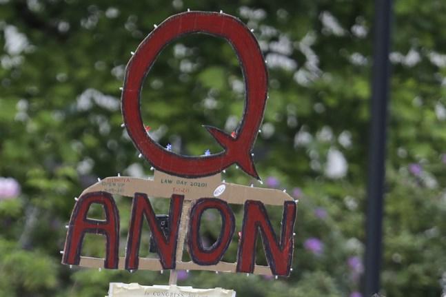 Tusentals konton med koppling till konspirationsrörelsen Qanon har blockerats på Twitter sedan stormningen av Kapitolium den 6 januari. Arkivbild.