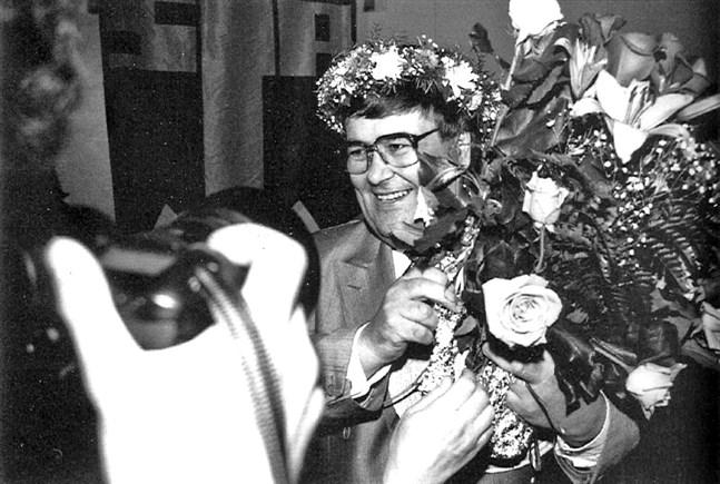 Ole Norrback, nyvald ordförande på partidagen i Sibbo 1990.