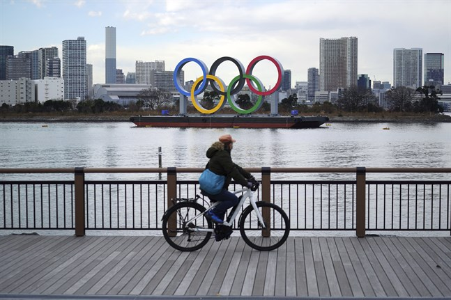 Det är osäkert om OS kan genomföras i Tokyo i sommar, enligt en japansk minister.