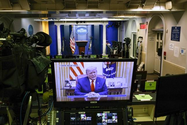 I ett tal som Vita huset har publicerat på Twitter manar president Donald Trump till lugn.